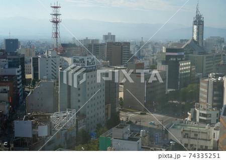 高層階から望む富山県富山市の中心部 74335251