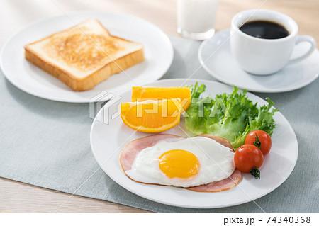 朝食 74340368