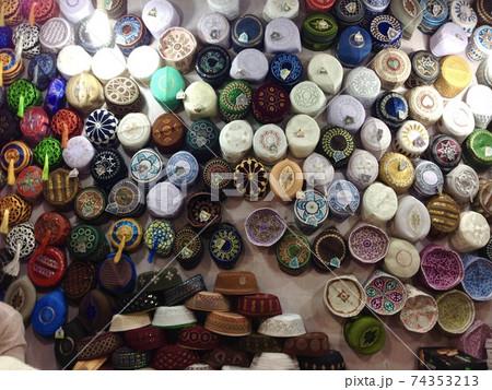 バングラデシュのチッタゴンの帽子屋 74353213