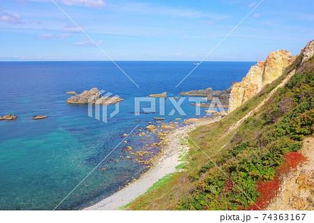北海道積丹町 島武意海岸展望台から見た日本海 74363167