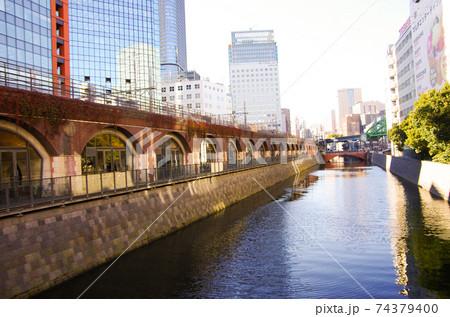 今月も商談前に淡路町付近をカメラを持って散策(昌平橋から神田川) 74379400