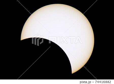 夏至の日の部分日食 74416882