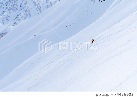 山岳スノーボーダー 【長野県】 74426903