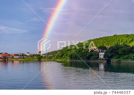 屋久島宮之浦川と虹。水資源・環境・エコのイメージ表現 74446337