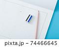原稿用紙と筆記用具 74466645