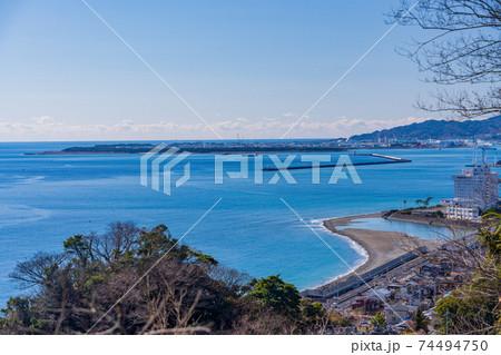 (静岡県)薩埵峠から見る清水方面 74494750