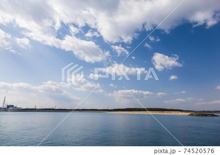 茨城県日立市 久慈川河口と豊岡海岸 74520576