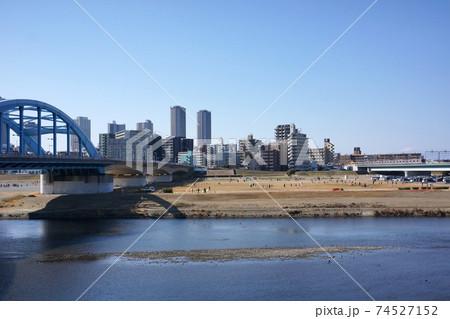 丸子橋付近から見た多摩川と武蔵小杉 74527152