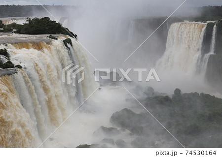 イグアスの滝 74530164