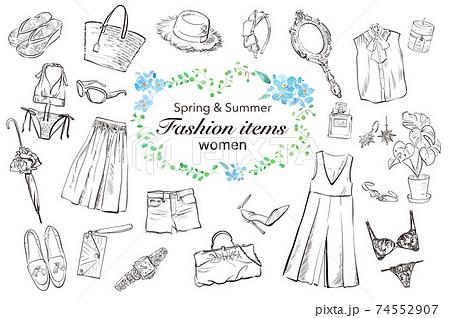 女性の春夏のファッションアイテム。手書きの線画。(ベクターデータ) 74552907