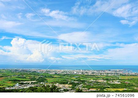 沖縄県 青空の石垣島 74561096