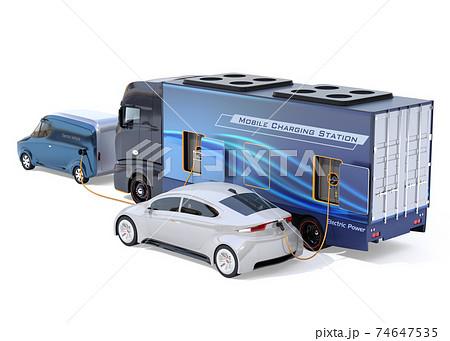 モバイル充電トラックが路肩に電欠のEVに充電しているイメージ。EV電欠ロードサービスコンセプト 74647535