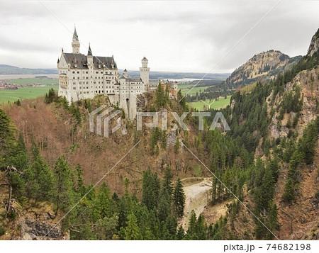 <ドイツ>マリエン橋から望むノイシュバンシュタイン城 74682198