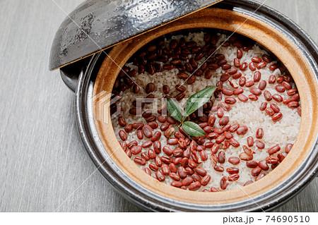 日本食:お赤飯・おこわ・祝い膳 74690510