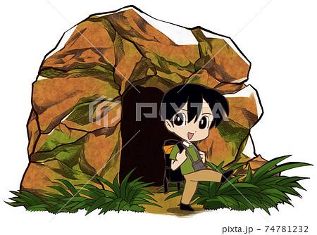 洞窟から出る男性 74781232