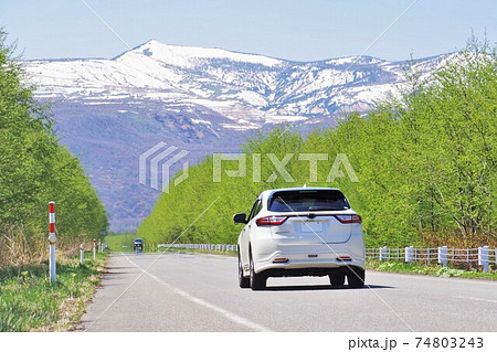 春のドライブイメージ トヨタハリアー 74803243
