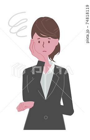 困っている 黒いスーツを着た女性 74818119