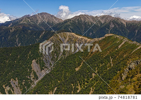 初秋の南アルプス・塩見武稜線から見る白峰三山 74818781