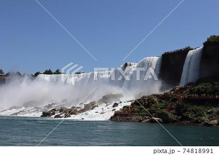 ナイアガラの滝 霧の乙女号から見た夏のアメリカ滝 74818991
