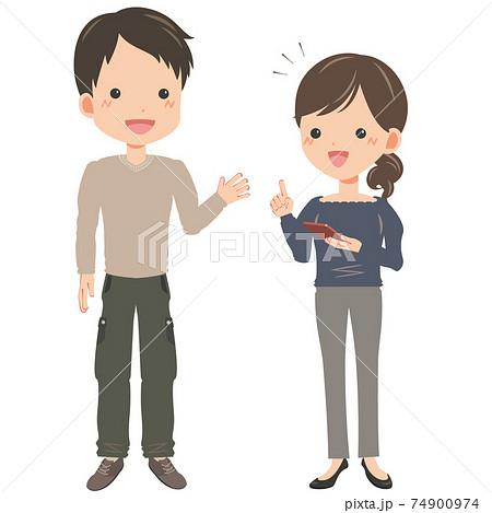 スマホを使う女性と話しかける男性 74900974