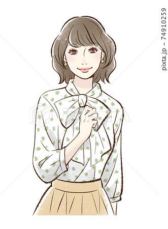 メイクをした笑顔の女性_ピンク系 74910259
