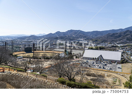 伊勢原市総合運動公園の展望台からの眺望 75004753