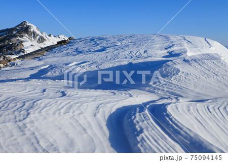 美しいシュカブラ 燕岳 75094145