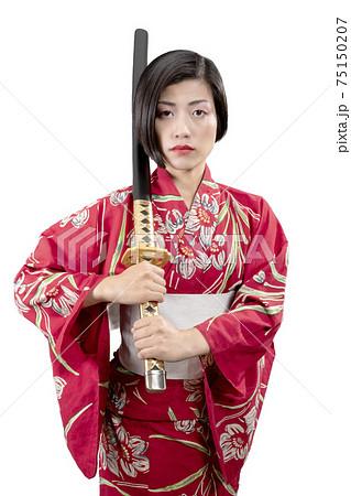 Japanese woman wearing traditional yukata 75150207