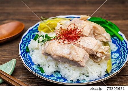 鶏むね肉のカオマンガイ風ご飯 75205621