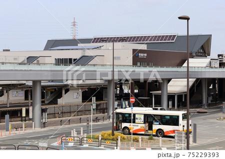大阪府和泉市にあるJR阪和線の和泉府中駅 75229393