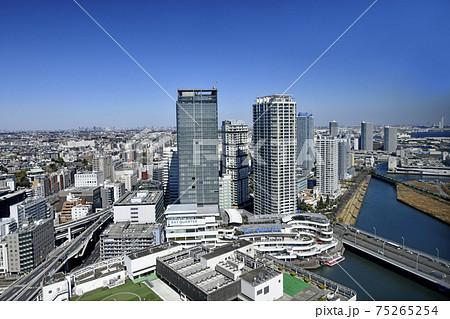 日本の横浜都市景観 横浜のタワーマンション群などを望む。左奥は武蔵小杉や東京都内 75265254