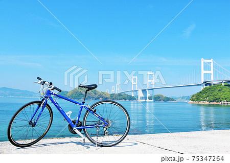愛媛県 青空のしまなみ海道と自転車 75347264