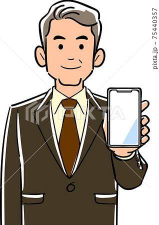 スマートフォンを手に持つ管理職男性 75440357