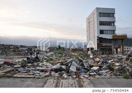 東日本大震災から約3か月後の大船渡 75450494