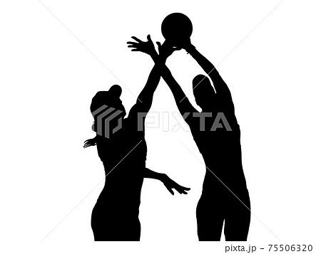 ボールを取り合うバレーボール選手のシルエット 75506320