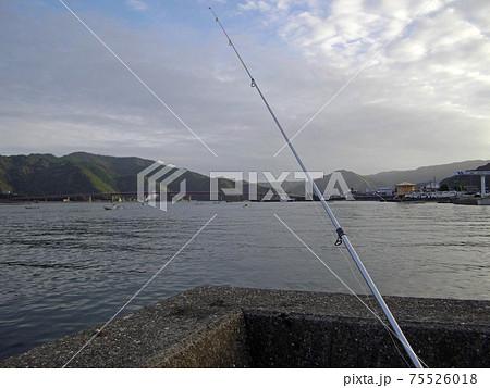 堤防からの投げ釣り(高知県土佐市宇佐) 75526018