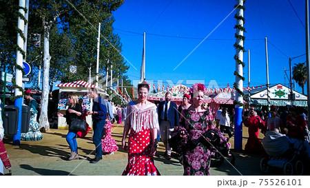 セビリアの陽気な『春祭り』~スペイン三大祭り 75526101