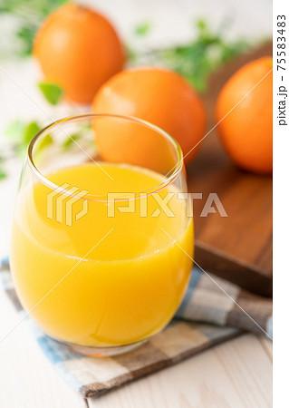 オレンジジュース 75583483