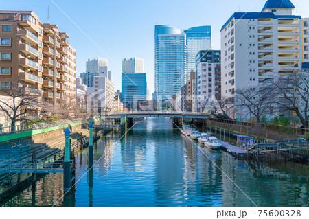 もんじゃで有名な東京中央区月島のビルやマンション 75600328