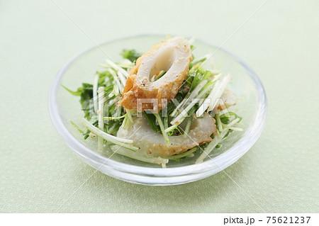 水菜とちくわの胡麻マヨネーズ和え 75621237