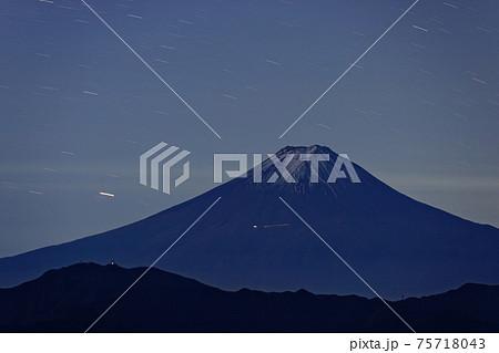 大菩薩嶺から見る富士山とカノープス 75718043