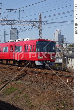 名古屋鉄道 山王-金山を走る列車 75723313