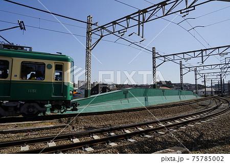 3月 藤沢144境川鉄橋と江ノ電 75785002