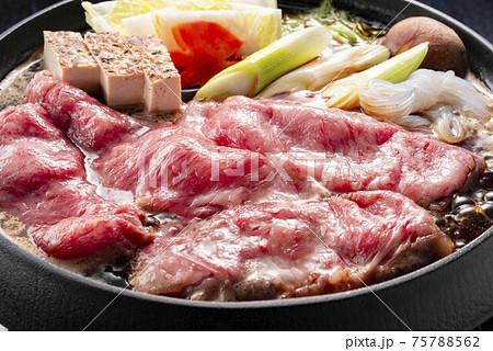美味しい牛肉ですき焼き 75788562