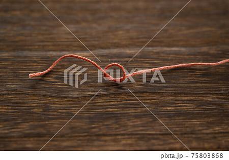刺繡糸 結び目 75803868