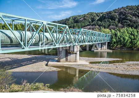 愛知県 春日井市 愛知県上水道 庄内川水管橋 75834258