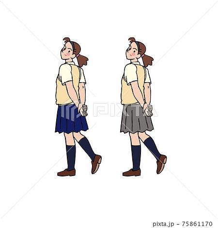 後ろを振り返る女子高生 75861170