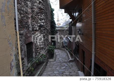 トルコ(イスタンブール)の石道(横写真) 75918326