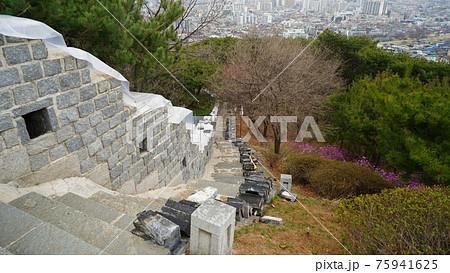 韓国 水原(スウォン)の風景 75941625