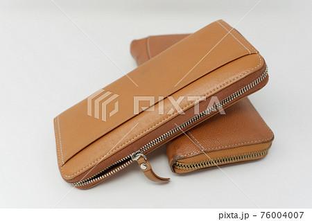 傷んだ長財布 76004007